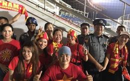 Bị chơi khó trước trận, CĐV Việt Nam vẫn làm điều đáng mừng trên đất Myanmar