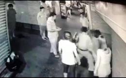Bắt nghi can đâm liên tục nam thanh niên trong ngõ hẹp sau va chạm