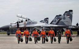 Năm nước tập trận ở biển Đông