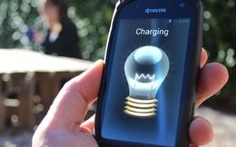 Đã có loại màn hình điện thoại tự sạc pin khi bạn dùng dưới nắng