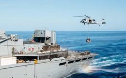 """Biển Đông: Hoàn Cầu tuyên bố sốc về """"đâm rụng, bắn rơi"""" máy bay Mỹ"""