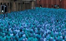 Hơn 3.000 người đủ màu da từ 20 quốc gia khỏa thân vì nghệ thuật
