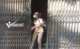Kỳ lạ giữa Hà Nội: Nhà chực sập, chủ nhà 'bỏ của chạy lấy người' vẫn tấp nập người thuê