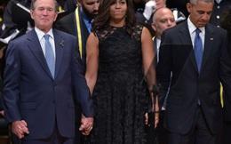 [VIDEO] Cựu TT Mỹ Bush nhún nhảy ở tang lễ tưởng niệm nạn nhân vụ xả súng Dallas