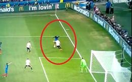 Không thể tin được đây là hàng thủ của tuyển Đức!