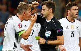 """Nghi vấn trọng tài Italia thiên vị Pháp, """"trả thù"""" người Đức"""