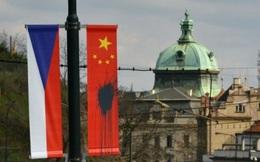 Vừa tới Đông Âu, ông Tập Cận Bình đã gặp phải biểu tình phản đối
