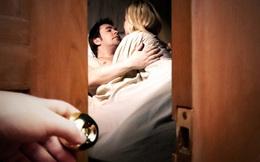 """Bất lực nhìn vợ cũ có """"tình mới"""", người đàn ông báo cảnh sát bắt """"gian phu dâm phụ"""" để..."""