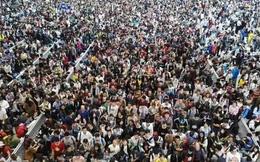589 triệu người cùng lúc đổ ra đường, cảnh tượng siêu hãi hùng là đây