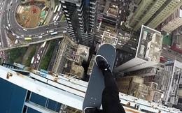 Màn giữ thăng bằng trên ván trượt trên nóc tòa nhà cao tầng khiến nhiều người toát mồ hôi hột