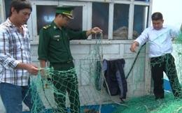 Tàu cá ngư dân Quảng Trị bị ba tàu lạ tấn công, phá lưới