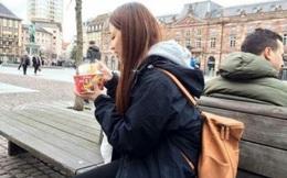 Du lịch nước ngoài vẫn không quên mang... mỳ ăn liền, quốc gia này đang dẫn đầu TG