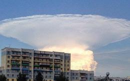 24h qua ảnh: Đám mây hình nấm bí ẩn giống vụ nổ hạt nhân ở Nga