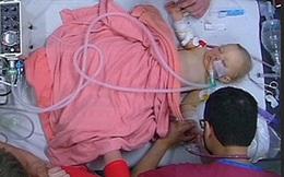 Cái chết của bé trai 9 tháng tuổi được truyền hình trực tiếp đã cướp đi nước mắt của hàng triệu người