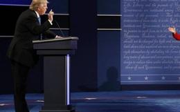 Trump mất điểm tranh luận nhưn thu nhiều tiền hơn bà Clinton