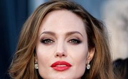 Angelina Jolie ngoại tình với đại gia giàu có trước khi ly hôn với Brad Pitt?