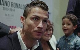 Nhật ký Euro 19/6: Ronaldo bị mẹ đuổi khỏi nhà, lang thang suốt đêm