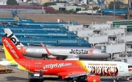 Xăng dầu lao dốc, giá taxi đã giảm, tại sao vé máy bay đứng yên?