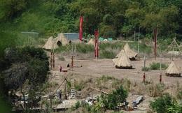 Hơn 20 lều tre đã được dựng ở phim trường 'King Kong'