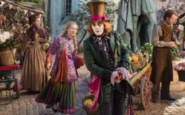 """""""Alice ở xứ sở trong gương"""": Bài học lớn về tình yêu gia đình"""