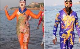 Dân Trung Quốc lại tung trò quái đản với thứ thời trang đi biển kinh dị