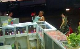 Ngáo đá vào tiệm điện thoại cướp Iphone 6