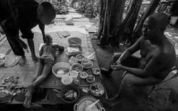 Gia đình 'bộ lạc nguyên thủy' ở bãi sông Hồng