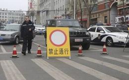 """Sợ xã hội bất ổn, Trung Quốc 'đè' lãnh đạo địa phương ra """"lãnh đạn"""""""