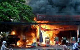 Hiện trường vụ cây xăng cháy lớn, nổ như bom ở Sài Gòn