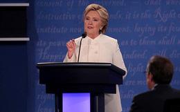 Bà Clinton: Kế hoạch kinh tế của Trump sẽ dẫn đến một cuộc đại suy thoái