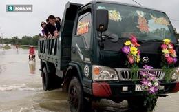 Màn đón cô dâu bằng xe ben độc nhất ở Bình Định