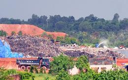 Người dân 4 xã sống khổ vì bãi rác hôi thối rộng 21 ha