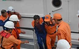 Bí ẩn tàu lạ đâm chìm tàu cá VN, bỏ mặc 34 ngư dân dập dềnh trên biển