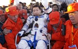 """Vì sao lại có """"tiếng gõ cửa ngoài không gian"""", như phi hành gia Trung Quốc vừa tiết lộ?"""