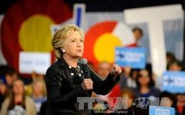 Bà Clinton chiếm ưu thế ở các bang còn do dự