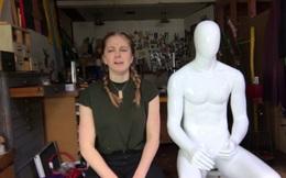Nữ Youtuber chế tạo chiếc máy chùi mông
