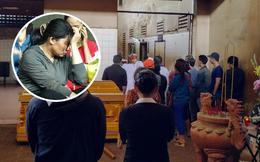 Vụ vợ chồng cùng 3 con chết cháy ở Sài Gòn: Đám đông òa khóc khi từng quan tài đưa ra xe