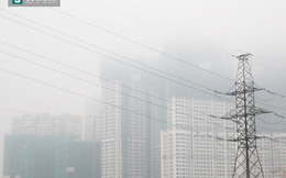 Nhiều tòa nhà chìm trong sương mù dày đặc ở Sài Gòn
