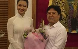 Thứ trưởng Vương Duy Biên dặn Hoa hậu Thu Ngân không hút thuốc lá