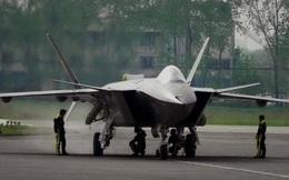 """Trung Quốc triển khai tiêm kích tàng hình J-20, """"đe"""" láng giềng!"""