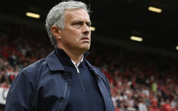 Tân binh Man United phản ứng khiến Mourinho đau đầu