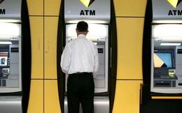 Không cần dùng thẻ, bạn đã có thể dùng vân tay và iPhone để rút tiền