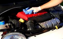 Khỏi tốn tiền ra gara, khoang động cơ ô tô sẽ sạch bong với cách vệ sinh đơn giản này