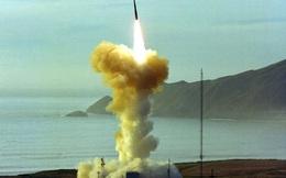 """Nga """"diễu võ dương oai"""" bằng VK hạt nhân, Mỹ sẵn sàng nâng cấp 400 tên lửa xuyên lục địa"""