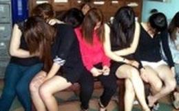 Triệt xóa cùng lúc 2 tụ điểm mại dâm tại thị trấn biển lớn nhất Cà Mau