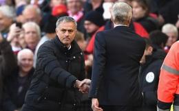 Mượn lỗi của Wenger, Mourinho sẽ tìm cách tránh phạt nặng