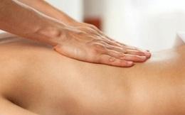 """Nữ du khách phát hoảng vì """"dịch vụ bằng lưỡi"""" của nhân viên massage"""