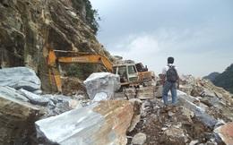 Nghệ An: 3 công nhân bị tảng đá lớn sập xuống đè tử vong