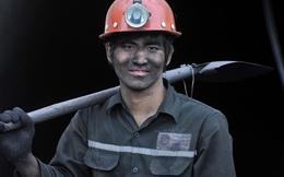 Người lao động muốn tăng lương tối thiểu 250.000 - 400.000 đồng/tháng nhưng giới chủ chỉ muốn tăng 5% thôi