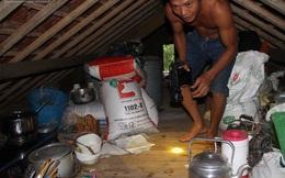 [ẢNH] Cuộc sống đảo lộn của hàng nghìn người trên nóc nhà trong lũ dữ ở Hà Tĩnh